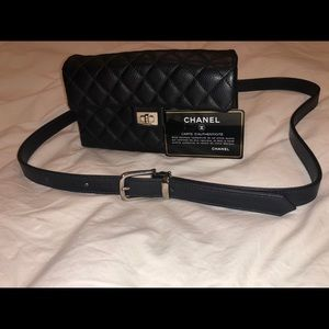 CHANEL Quilted Caviar BLK Leather 2.55 Fanny Pack